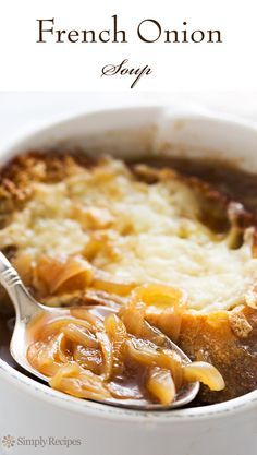 French Onion Soup ~ Classic simple French onion soup recipe, with beef ...