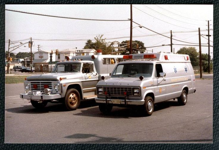 Burlington City, NJ Endeavour Emergency Squad, 1969 Ford F-700/1949 Goldcrest Rescue Squad And 1980s Ford E-350.