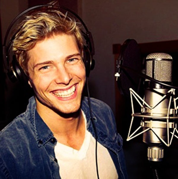 Hunter Parrish is seriously the cutest boy i've ever seen