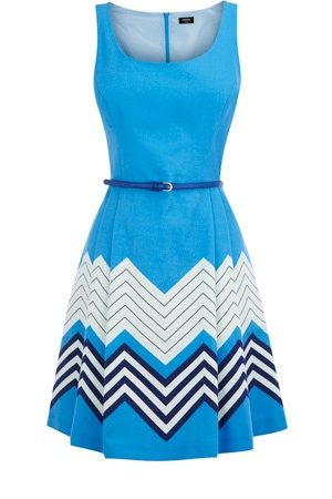 This chevron stripe dress simply zip-up back and is finished with a skinny belt. With an a-line skirt, this piece has a round neckline and is sleeveless is style.
