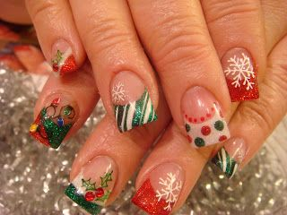Christmas Nail Art: love the polka dots