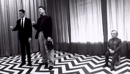 """A break from """"Twin Peaks"""" - http://dugpa.com/wp-content/themes/arras-theme/images/other/s_2.gif"""