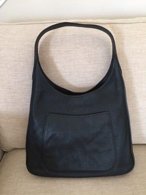 565c2557c3dd Prada Vitello Daino Medium Hobo Black Leather Shoulder Bag w/…@ebay  @pinterest #carrying #louisvatton #designer #handbag #wearing
