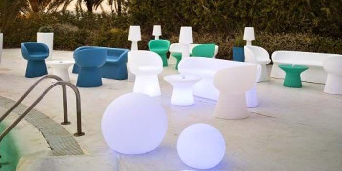 si quieres organizar una fiesta ibicenca en tu hogar descubre lo que necesitas para la decoracin de tu jardn httpblogakiesmuebles de j