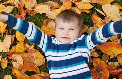 Fall kids picture - contrasting colors!