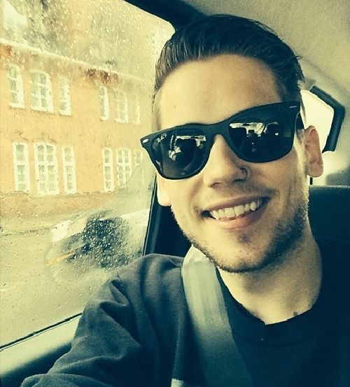 ladies and gentlemen i hereby present to you tony oller (aka my boo)