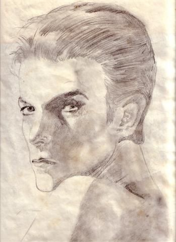 A pencil sketch of David Bowie that I did some years ago. If I had known how long I'd have that picture, I'd have used a better quality paper. So excuse the shitty paper on this one.