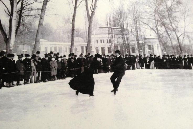 Clujul a fost un centru de patinaj încă de la începutul secolului XX. Lumea bună a orașului patina pe Lacul din Parcul Mare, iar costumația era una binecunoscută pe vremea aceea. Patinaj artistic, …