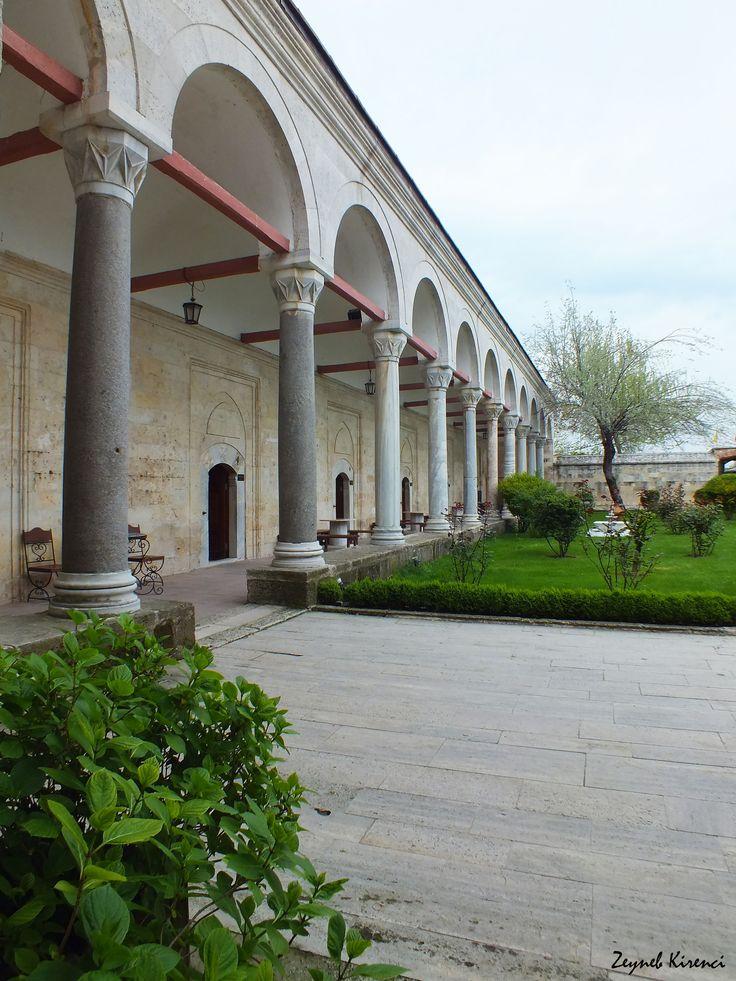 Complex of Sultan Bayezid II Health, Edirne (April 2014). #column #repetition