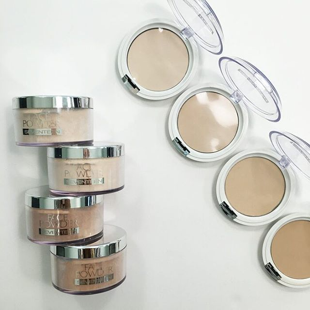 Natural Silky Compact Powder offers you a beautiful, radiant complexion, with…
