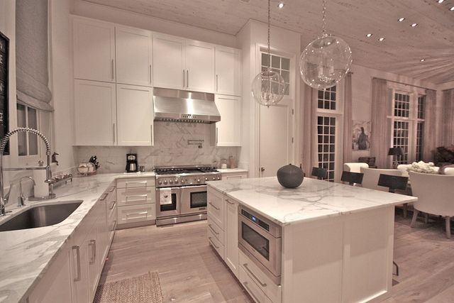 Kitchen - love this kitchen.. but I'd do a different color counter top.