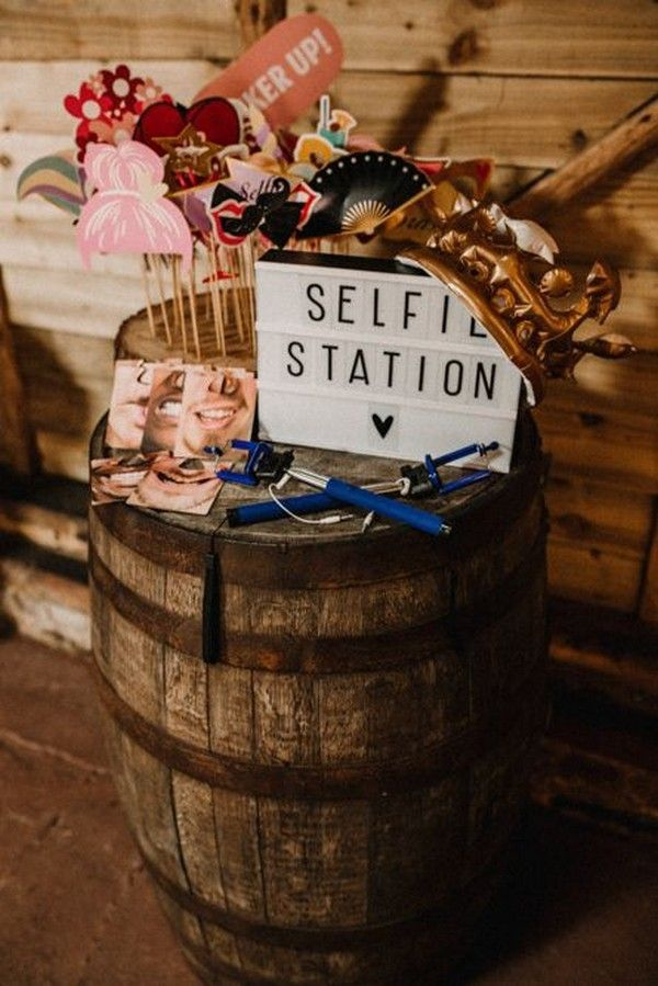 20 Awesome Wedding Photo Booth Ideas for Wedding P…