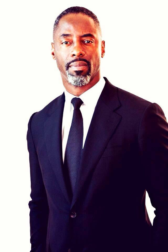 Isaiah Washington a lil distinguished Grey, love jones etc. looks like a Driis doppelgänger in this photo