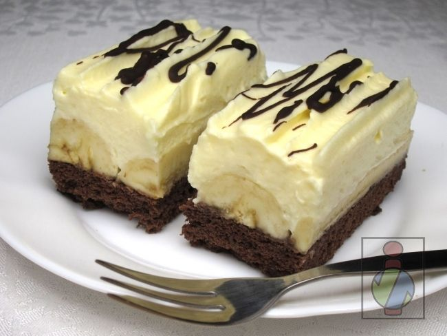 Fantastische, feine Quarkcreme und beliebte Bananen auf dem Kakaoboden :) Sooo lecker
