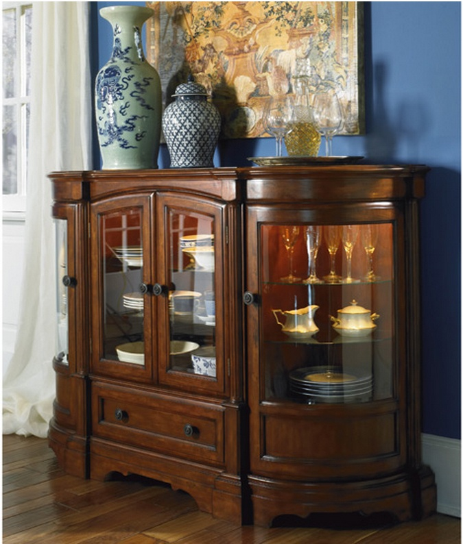 Lovely Wigeon Hall Server  Ashley Furniture