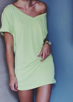Kup mój przedmiot na #vintedpl http://www.vinted.pl/damska-odziez/krotkie-sukienki/9900194-sukienka-opadajace-ramiona-limonkowa-odkryte-plecy