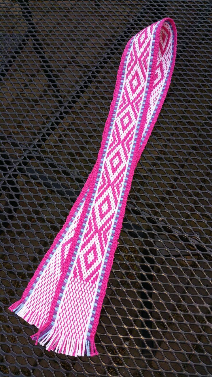 Band geweven op de inkle loom dmv pick-up-patroon gemaakt door Angelique Jansen-Maijen