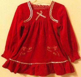 Abitino in velluto per vestire la tua bambina. Ideale per le feste di natale! Visita il sito www.cocobimbo.it