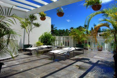 Terrasse - solarium avec jacuzzi