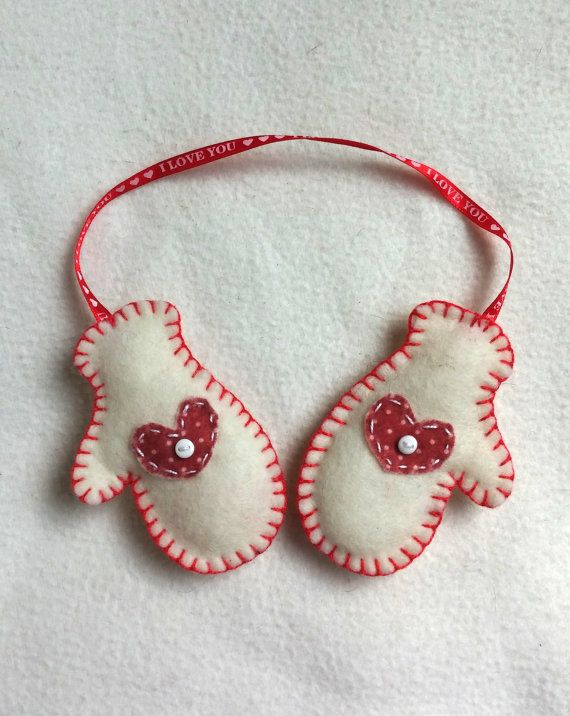 Mittens felt ornament Christmas tree by PrettyFeltThings on Etsy