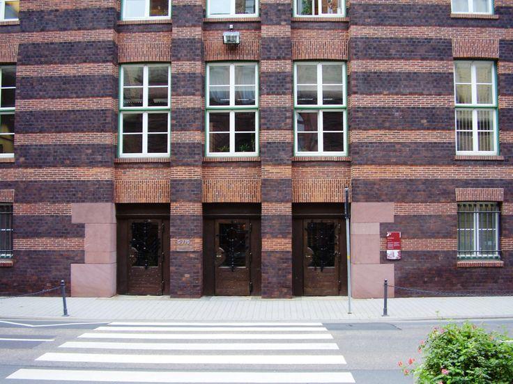 Peter Behrens - Industriepark Höchst, Behrensbau Portal