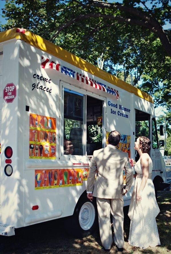 An ice cream truck. | 23 Unconventional But Awesome Wedding Ideas