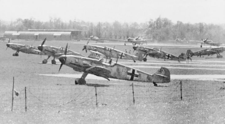 Parking fighters Bf.109G-March 11 Squadron 2nd Fighter Squadron of the Luftwaffe on aerodromk Bern