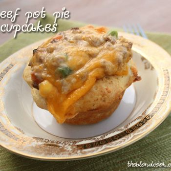 Haven't made it but it sounds and looks good.: Beef Pot Pies, Fun Recipes, Minis Beef, Beef Pots Pies, Potpie, Pies Cups, Pot Pie Cupcakes, Cupcakes Rosa-Choqu, Pots Pies Cupcakes