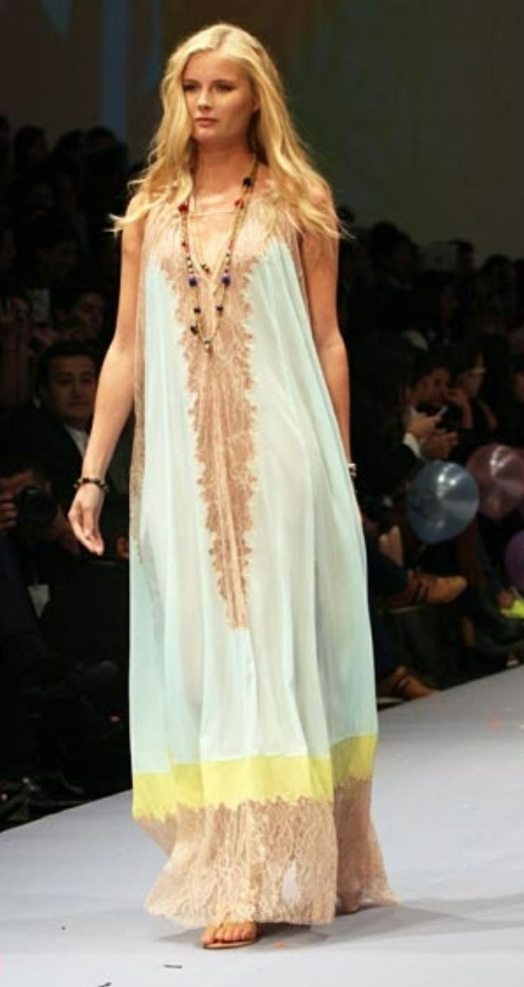 Pretty boho chic maxi with lace detail. Rapsodia 2014.