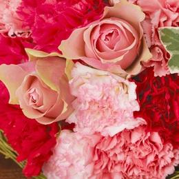 carnation and rose 日比谷花壇 クランツブーケ「ロゼフルール」