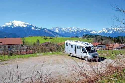 Reit im Winkl: Stellplatz mit Blick auf das Kaisergebirge.