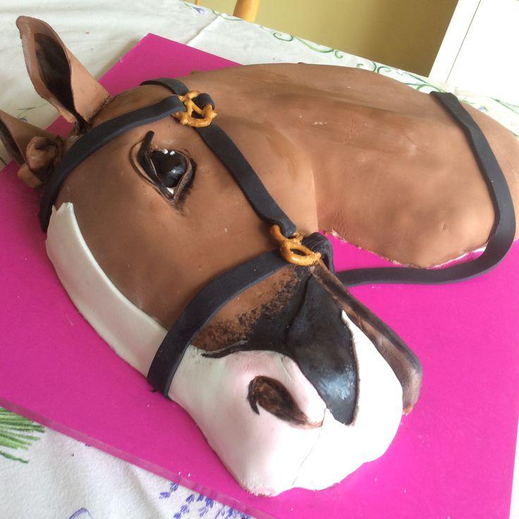Un gâteau parfait pour une passionnée d'équitation.