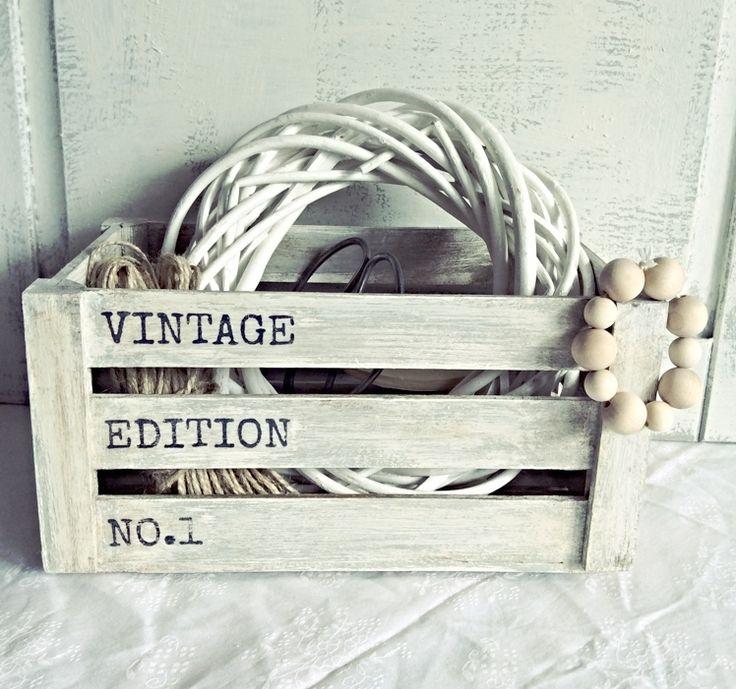 """Skrzyneczka """"Vintage edition no.1"""" - Dwa Guziki - design dla Twojego domu. 100% hand made."""