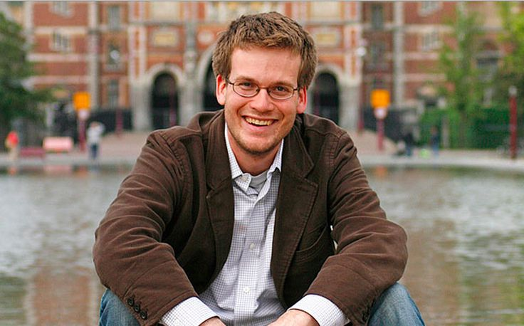 John Green, born in Indianapolis, Indiana, is a young adult fiction novelist. He was born on August 24, 1977.
