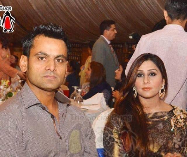 Muhammad Hafeez With His Wife