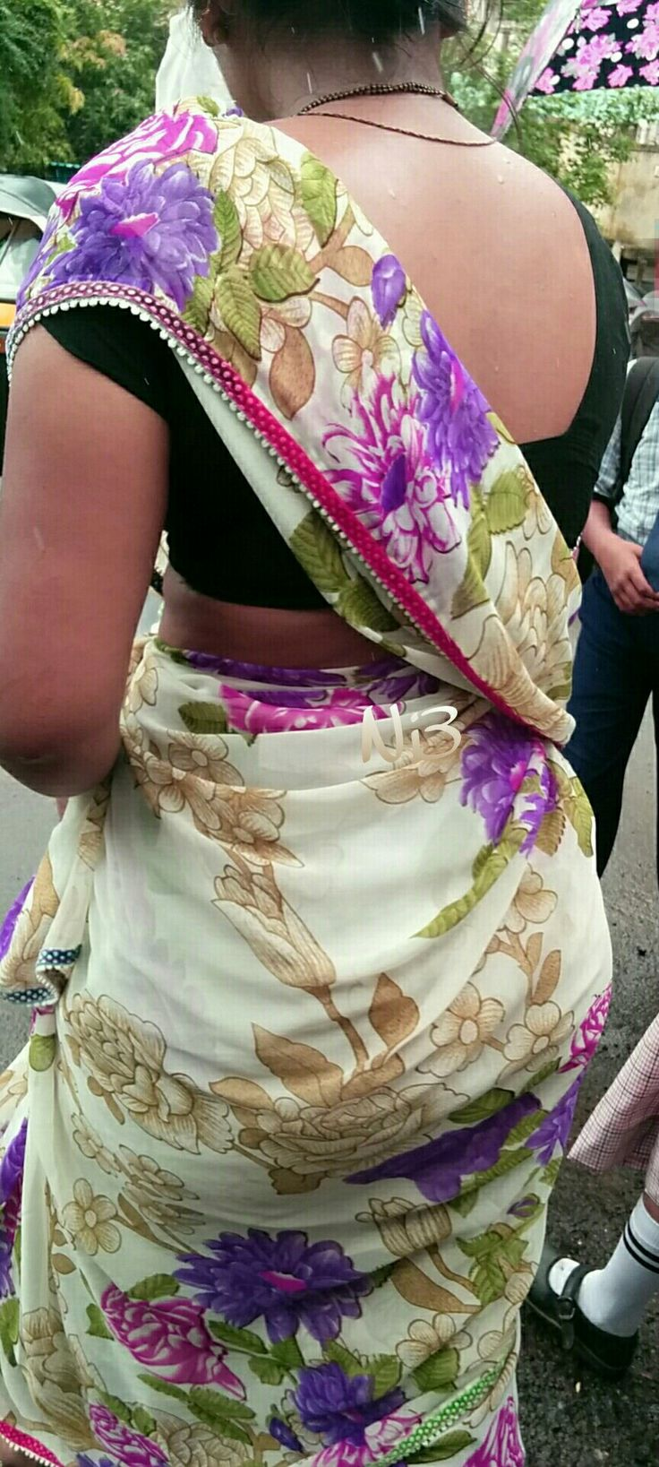 340 Best Aunty Back View Images On Pinterest
