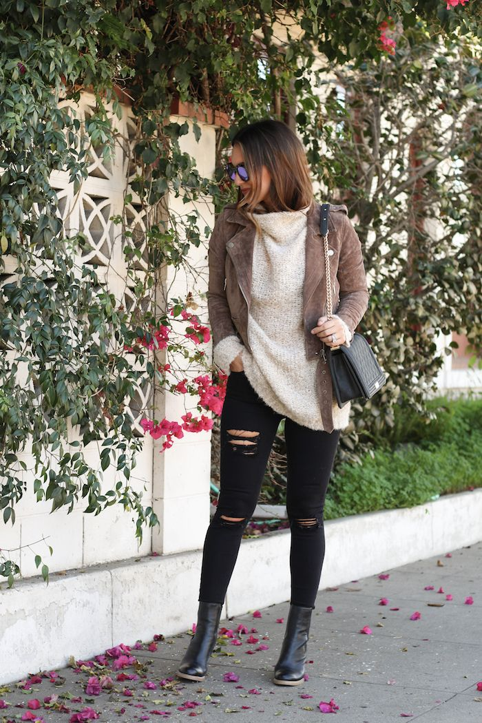 Love the whole outfit, but ADORE this cute jacket!  Carrie Bradshaw Lied | Thanksgiving Day Outfit
