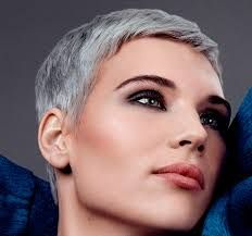 Risultati immagini per tagli di capelli cortissimi femminili