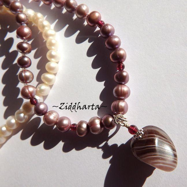 Garnet Necklace Lavendel Freshwaterpearl Necklace OOAK Banded Agate Pendant Necklace Gem stone Garnet Necklace - Handmade by Ziddharta by Ziddharta on Etsy
