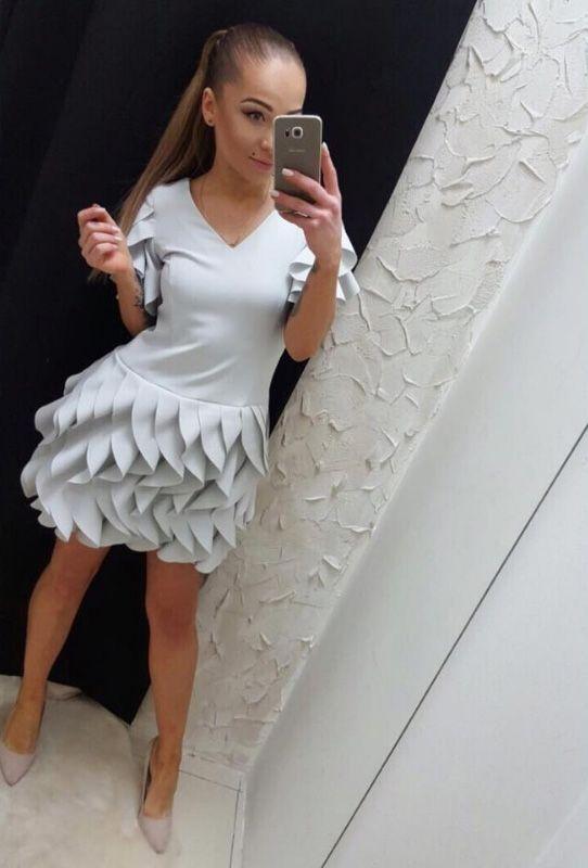 Sukienka z falbankami błękitana mini