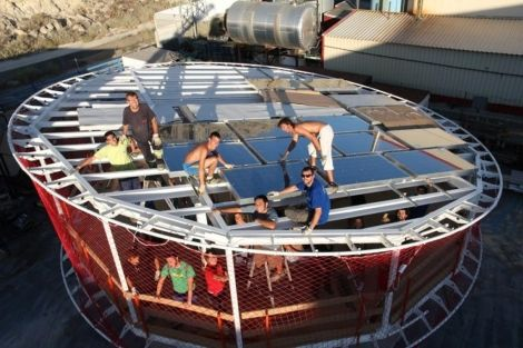4 de septiembre de 2012: Diecinueve equipos universitarios, ocho de ellos españoles, comenzaron a construir (en la Casa de Campo de Madrid) la ciudad solar en un plazo máximo de trece días.