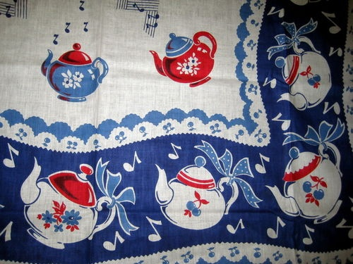 VINTAGE 1950s KITCHEN TABLECLOTH -MUSICAL TEAPOTS
