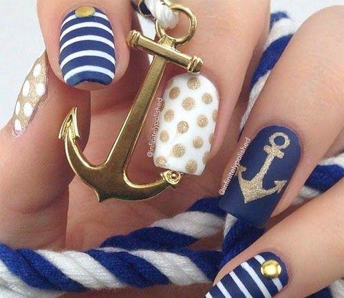 10 Beautiful Nautical #NailArt Designs http://wnli.st/1NlZuFm