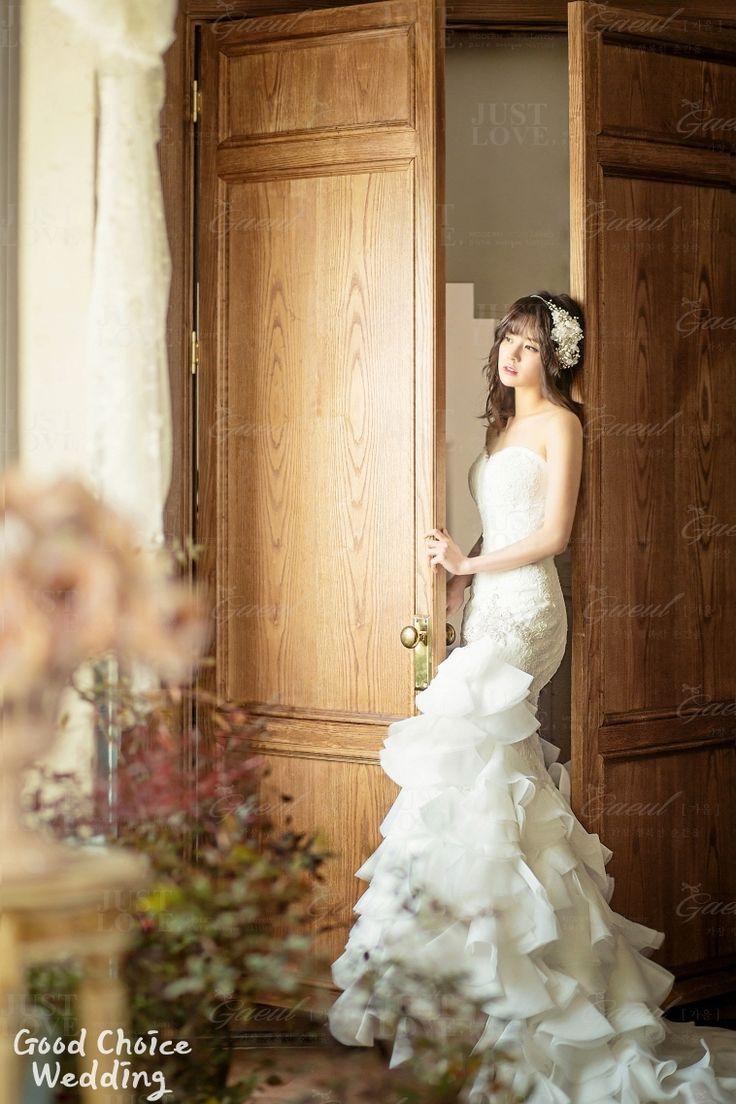 singapore pre wedding photography price%0A View photos in Korean Studio PreWedding Photography  Classic  u     Vintage  Pre Wedding photoshoot by Gaeul Studio  wedding photographer in Seoul  South  Korea