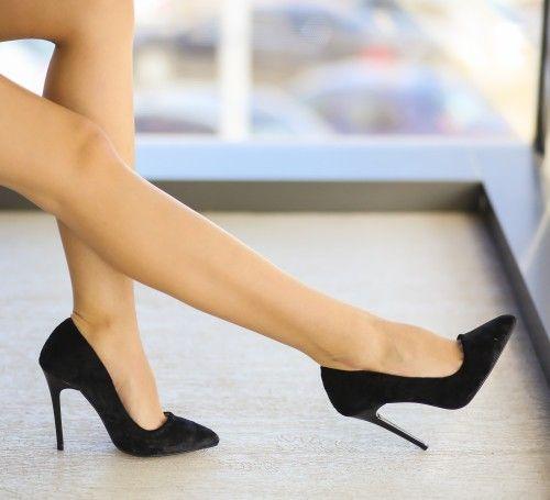 Pantofi Olive Negri - <br>Culoare:  Negru<br>Dimensiune toc:  11<br>Material:  Textil si piele eco Colectia Pantofi cu toc de la  www.cutoc.net