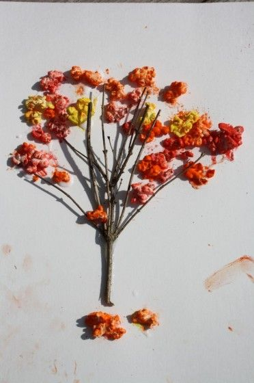 popcorn trees with tempera paint powder (happy hooligans)