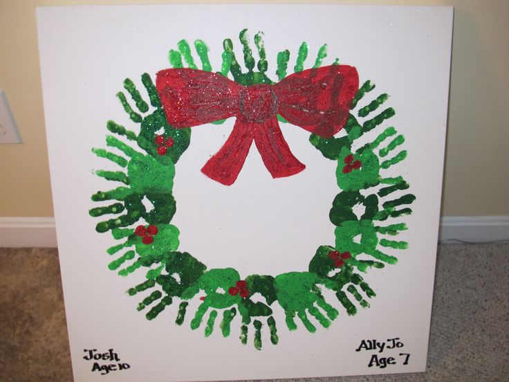 Create a class handprint wreath or have each student create his own. A very cute keepsake for teachers and parents!