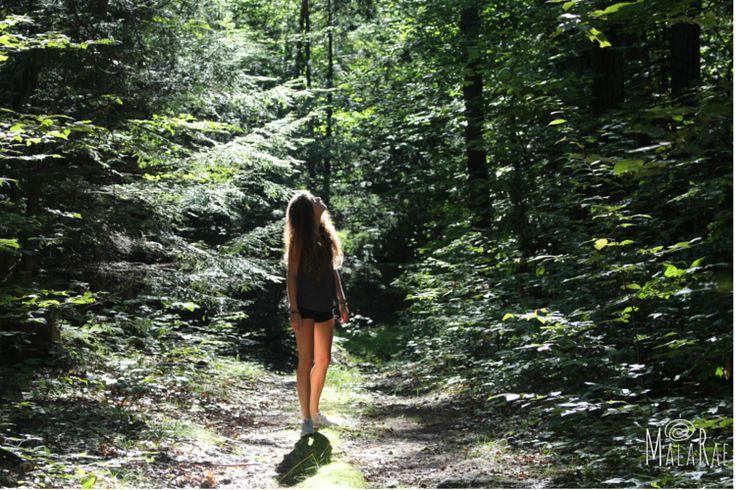 Summer days into the wild with Kyla #sunonmyface #backyardbliss #malarae #hiking #sunshine #nature #bliss #blessed #beautiful #chakra #crystals #gemstones #grounding #energy #yogawear #yogajewelry #thankful #universe #motherearth #peace #positivity #love #local #meditate #meditation #vibration #wild #wilderness