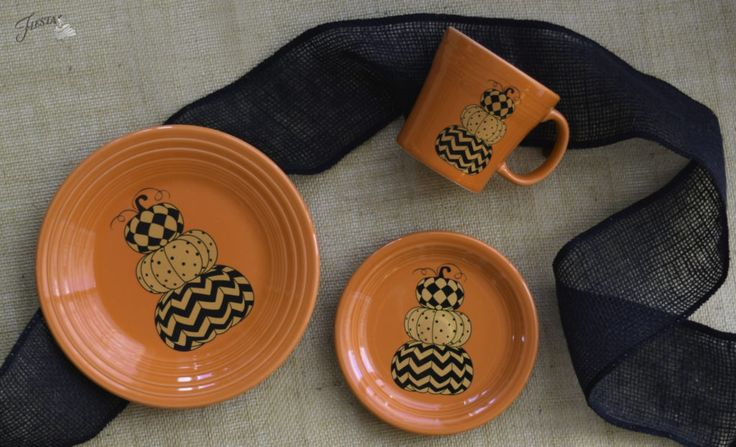 Fiesta Dinnerware's new Geo Pumpkins design, available on a Luncheon Plate, Appetizer Plate, Tapered Mug, and Ramekin. Available at retail beginning June 2017. | www.alwaysfestive.com