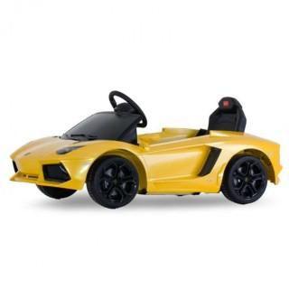 Rastar Lamborghini Aventador LP 700-4 Yellow - 81700-Y  — 11223р.   Детский радиоуправляемый электромобиль Rastar Lamborghini Aventador LP 700-4 - 81700 выполнен по лицензии настоящего автомобиля Lamborghini Aventador LP 700-4. Такой игрушкой малыш обязательно будет гордиться. Машинка развивает скорость до 4 км/ч, и работает от аккумулятора. Электромобиль может ездить вперед/назад, руль поворачивается вправо/влево. Управление машинкой также может происходить с помощью пульта радиоуправления…